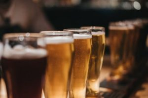 beer-glasses-lined-up_large